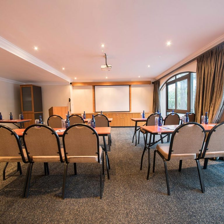 Island-Club-Hotel-Conference-Room-1