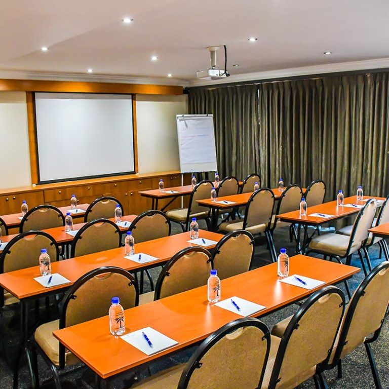Island-Club-Hotel-Conference-Room-10