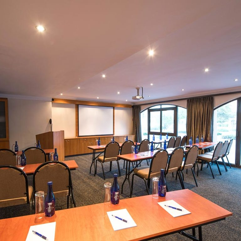 Island-Club-Hotel-Conference-Room-5