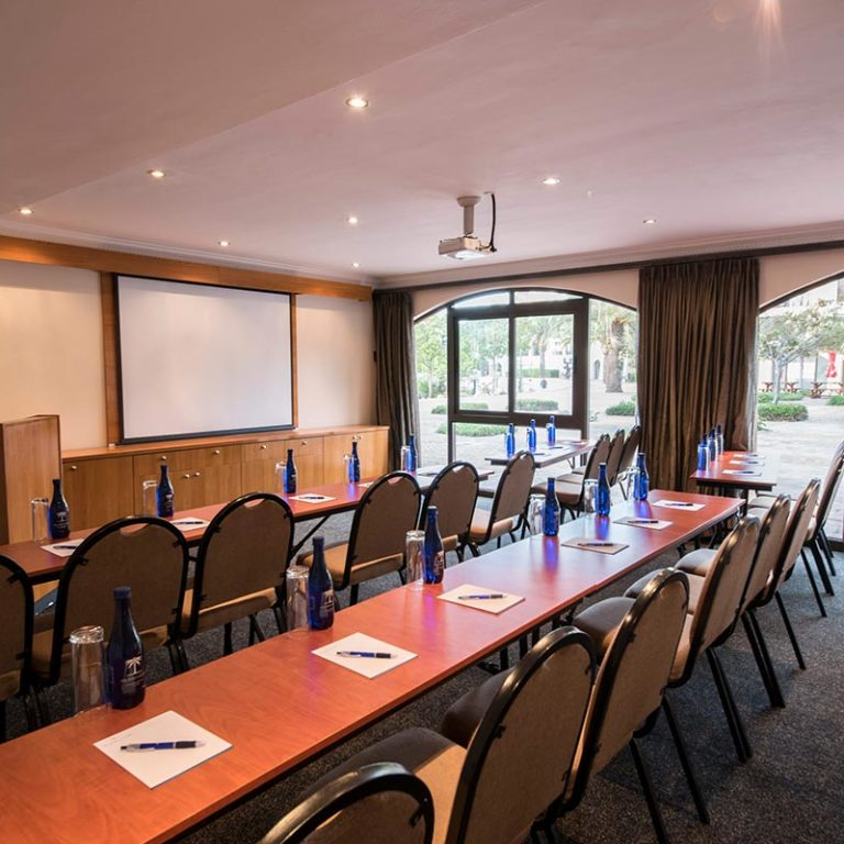 Island-Club-Hotel-Conference-Room-6