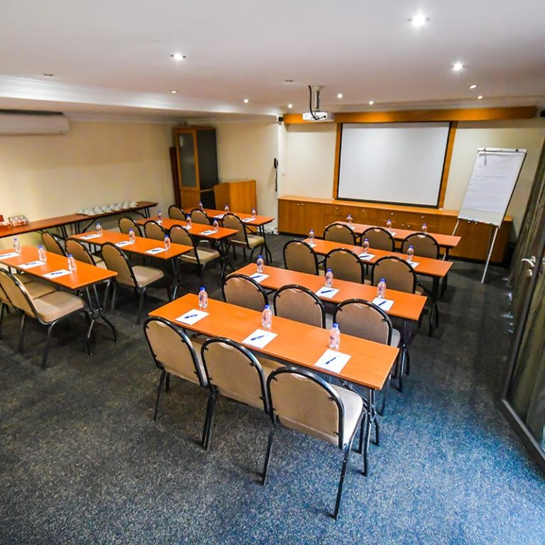 Island-Club-Hotel-Conference-Room-9