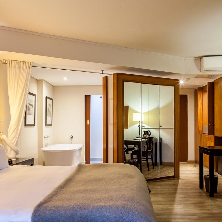 Island-Club-Hotel-Superior-Deluxe-Slider-Bed